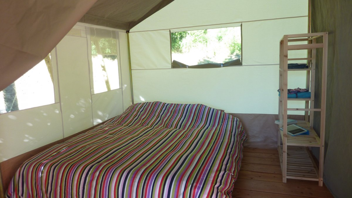 Slaapkamer safari huurtent