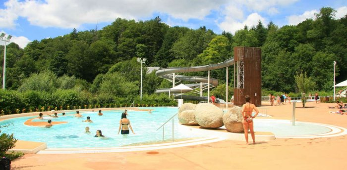 Baignade en rivi res piscines lacs laouzas camping for Archipel piscine castres