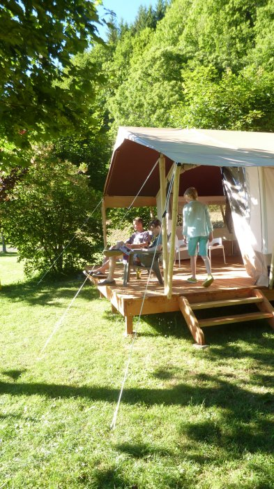 Rent Safari lodge tent France lacanal & Luxury safaritent rental France family campsite lake
