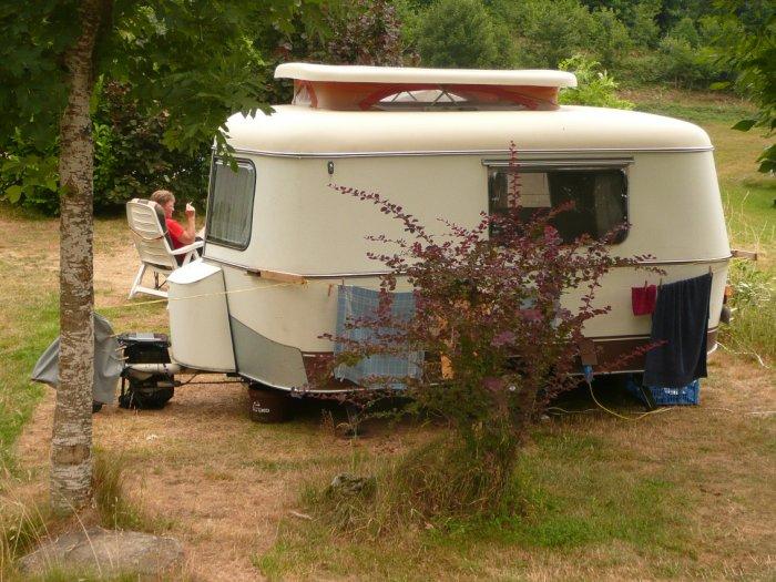 K&eren met je tent caravan vouwwagen op kleine C&ing Domaine Lacanal & camping holidays rural campsite france lake Tarn