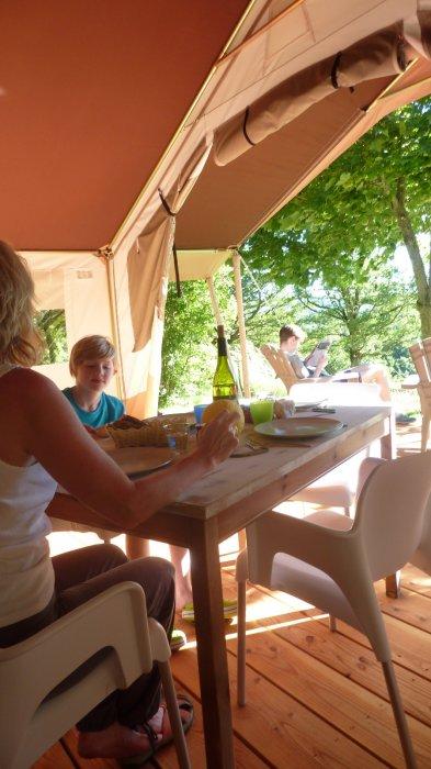 Safaritent for rent france & Luxury safaritent rental France family campsite lake