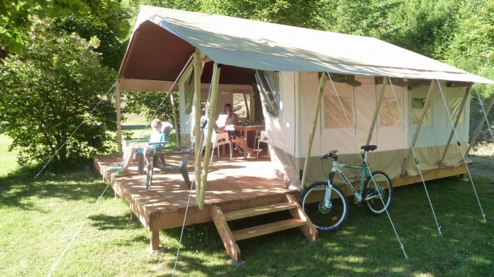 Kleine camping Frankrijk safari lodge huurtenten