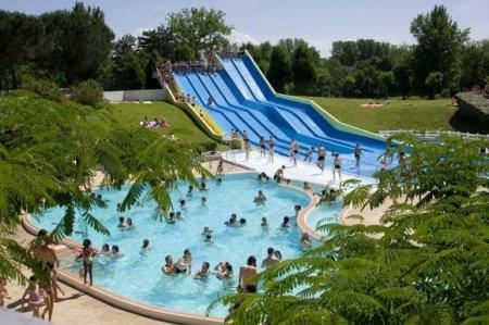 Camping en zwembad zwemmen meer frankrijk for Archipel piscine castres
