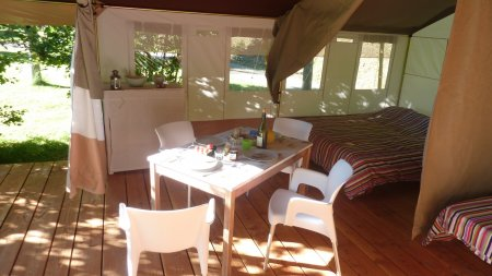 rent a safari lodge tent in france