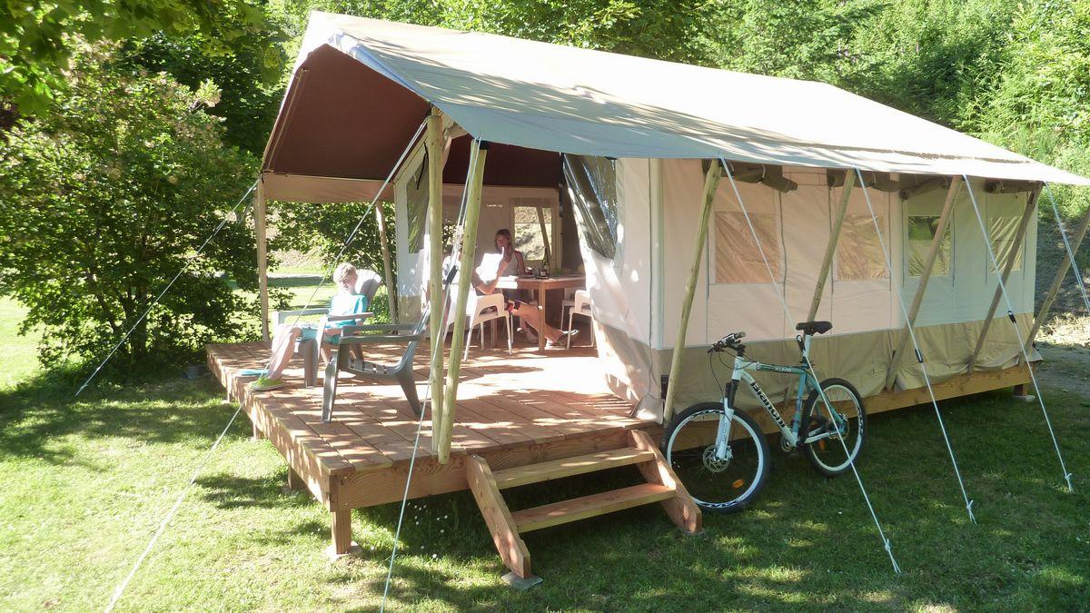 Kleine camping Frankrijk huurtent en vakantiehuisje